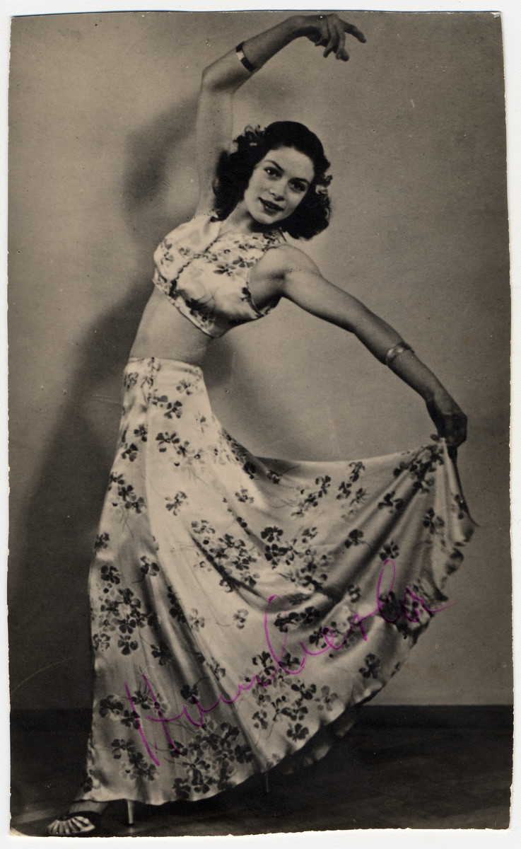 Studio portrait of the Sinti (Gypsy) Theresia Seibel who was a performer in the Wuerzburg Stadttheater.