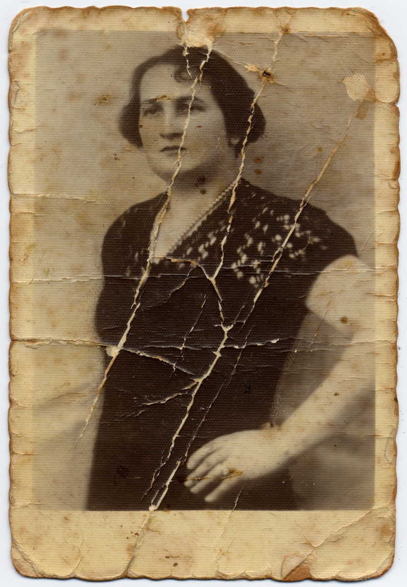 Portrait of Natalia Netka Putersznyt sent to her daughter who was in the Oberalstadt concentration camp.    Zosia kept this photograph in her shoe while in the concentration camp.