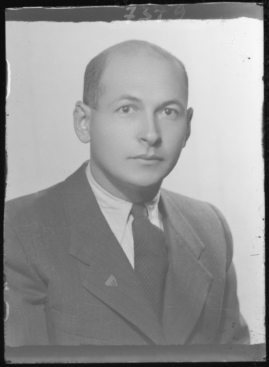 Studio portrait of Samuel Markovits.