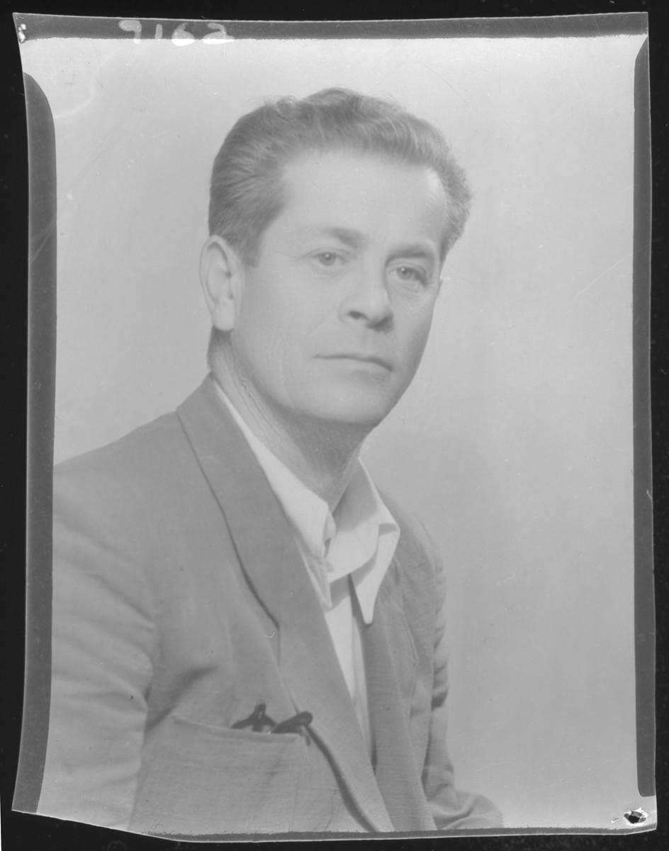 Studio portrait of Lajos Krause.
