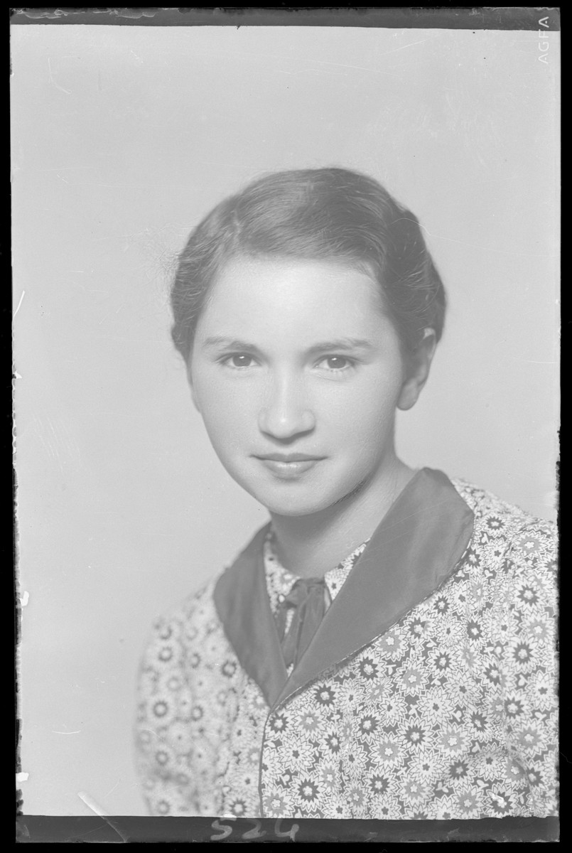 Studio portrait of Jozsefine Muszkal.