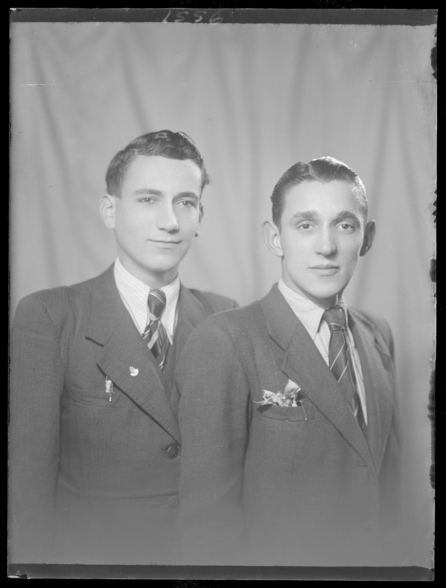 Studio portrait of Zoltan Lebovits and another young man.