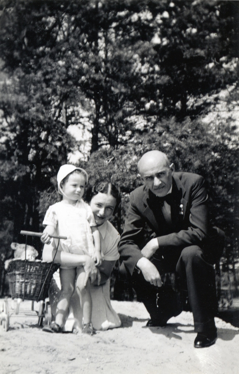 Joasia Klein poses with her mother, Nadzieja Klein, and grandfather, Abraham Solomon,  at her grandfather's country home shortly before the German invasion.