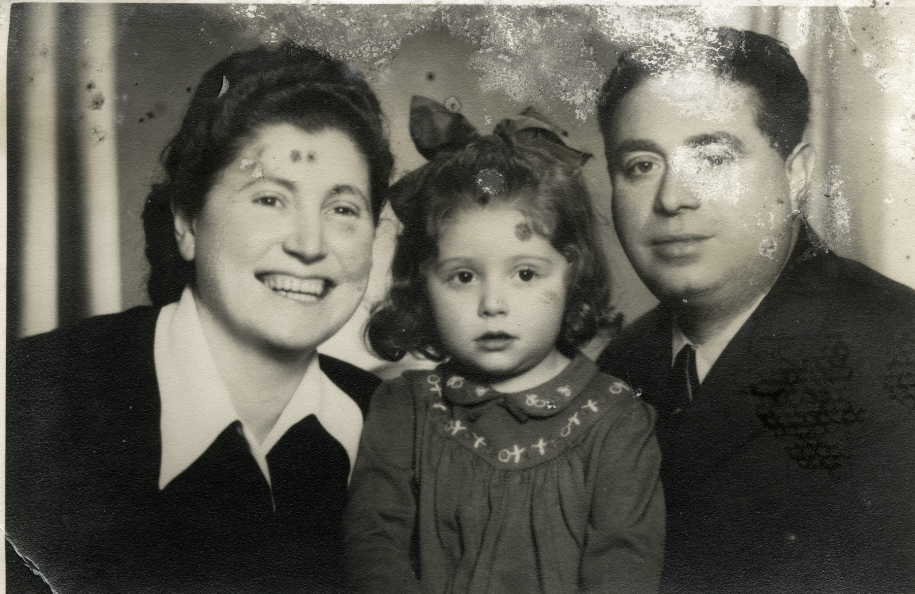 Studio protrait of the Eckstein family after Gerta reunited with her parents.