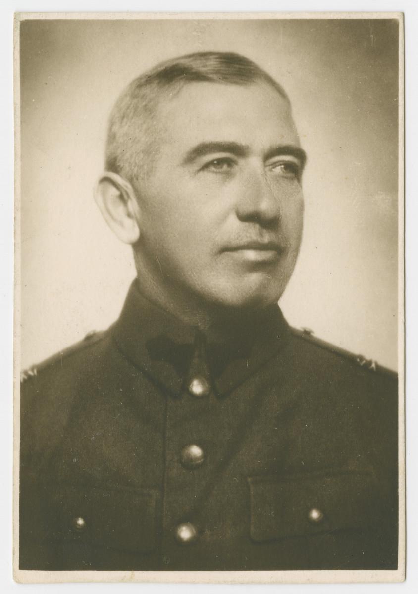 Studio portrait of Siegfried Deligdisch in his Romanian military uniform.