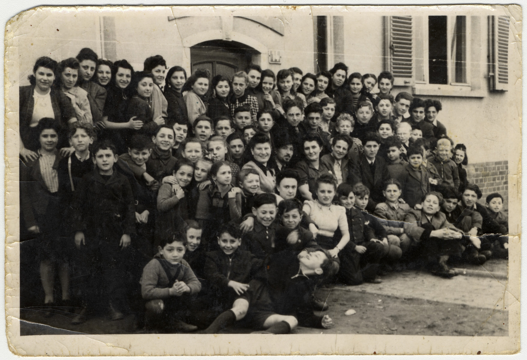 Students and teachers in the Jewish elementary school in Frankfurt; Hebrew was the primary language of instruction.