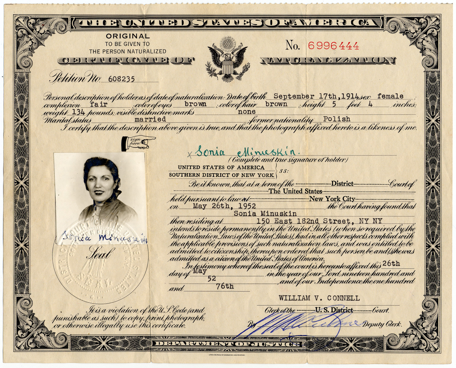 Certificate of Naturalization issued to Sonia Minuskin.