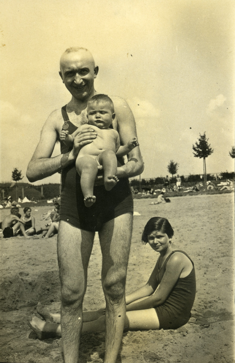Saul Cassel brings his infant daughter to a beach.