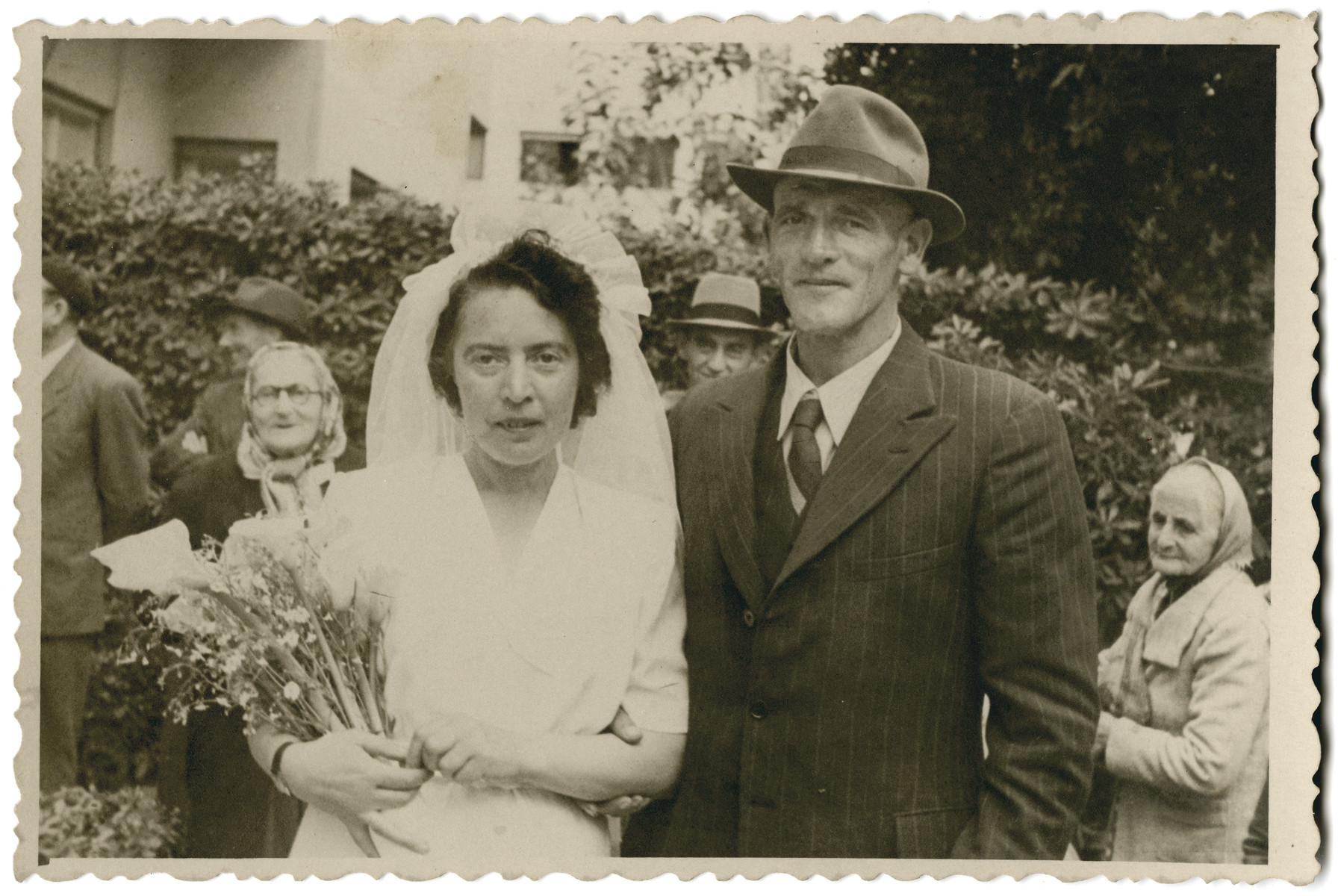 Wedding portrait of Erich de-Beer with Hannah Rabinovic after his release from prisoner-of-war camp.