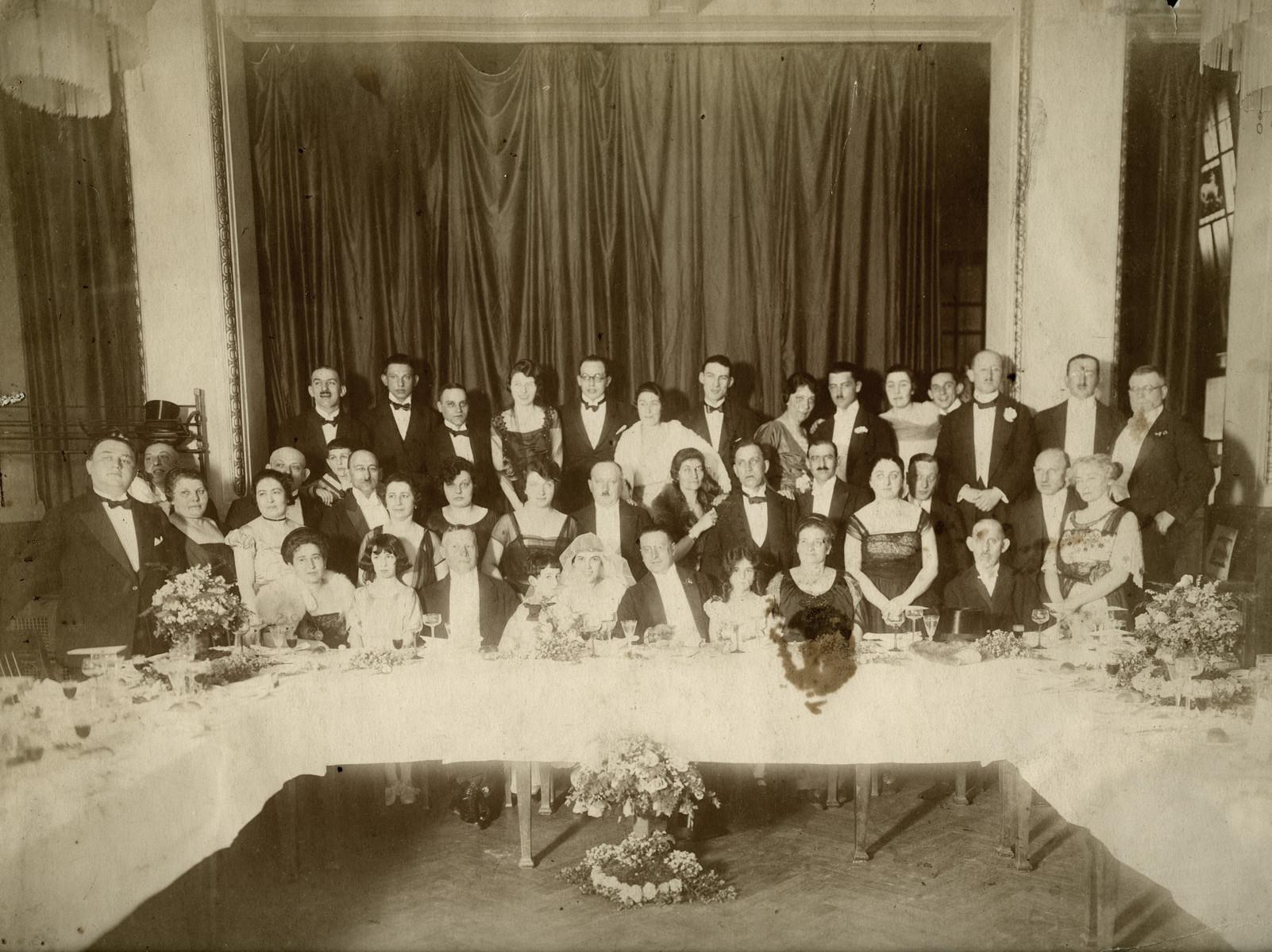 Wedding party of Karl and Rosa Lewinnek.