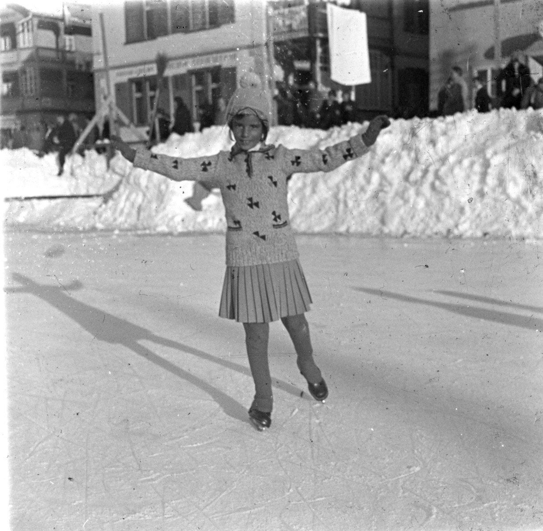 Hannalore Lewinnek goes ice skaing in Arosa, Switzerland.