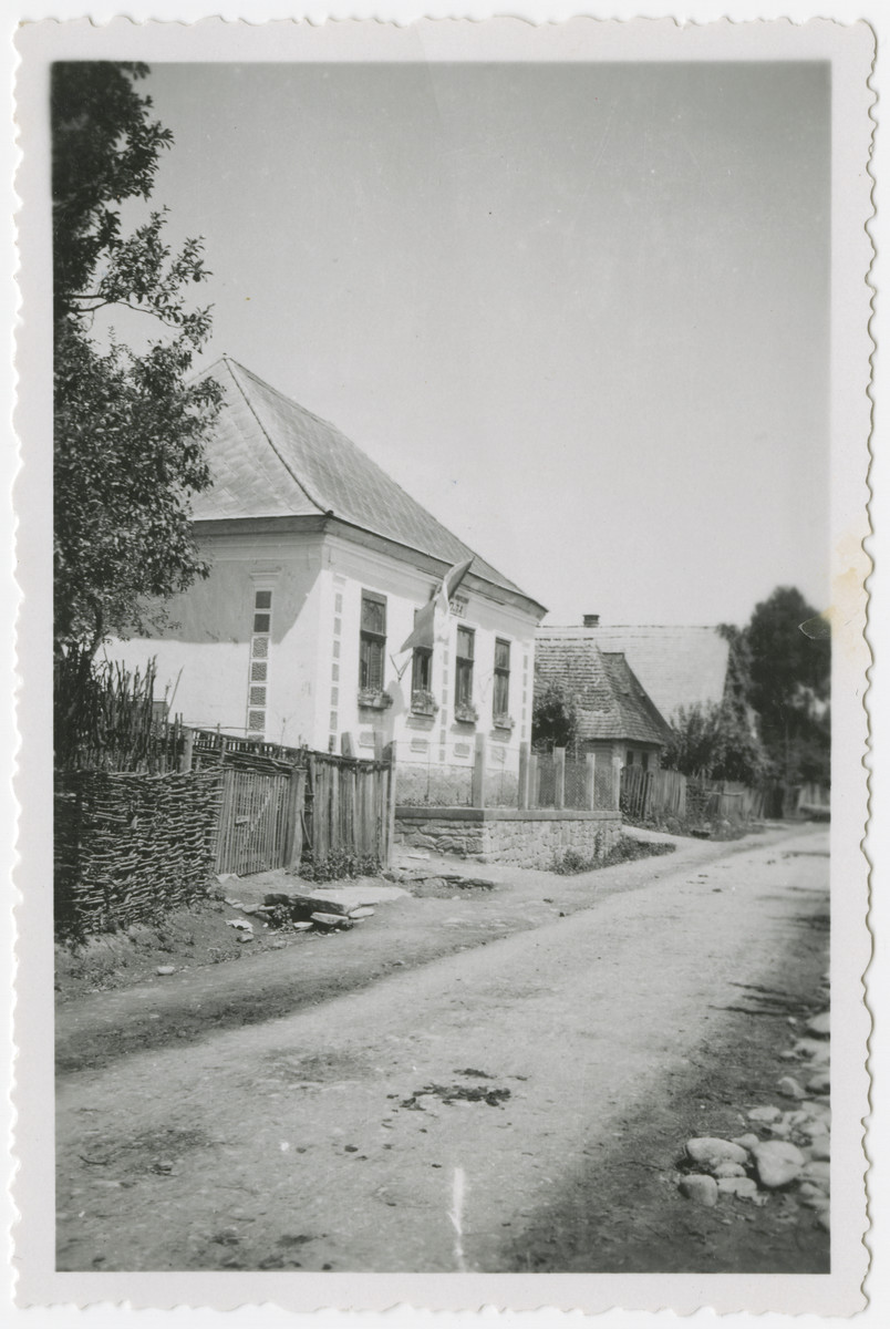 Exterior view of the Jewish school in Kusnice.