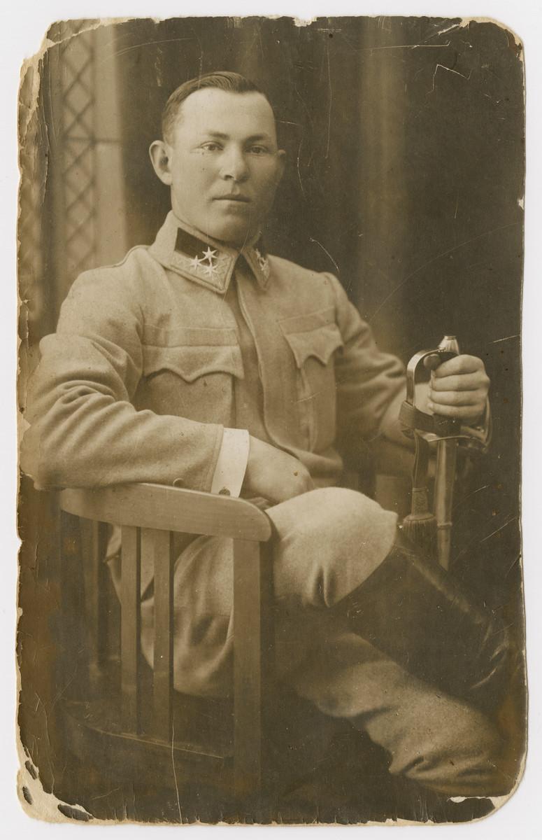 Studio portrait of Samuel Seelfreund, dressed in his World War I military uniform.