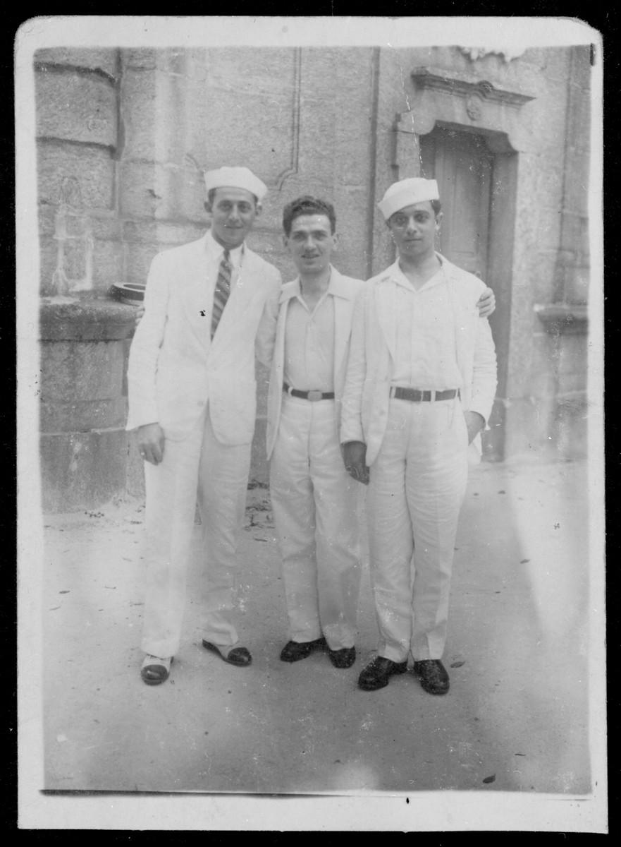 Group portrait of three Polish Jewish musicians in Rio de Janeiro.  Pictured are Waldemar Szpilman, Jakob Gimpel and Moyshe Szpilman.
