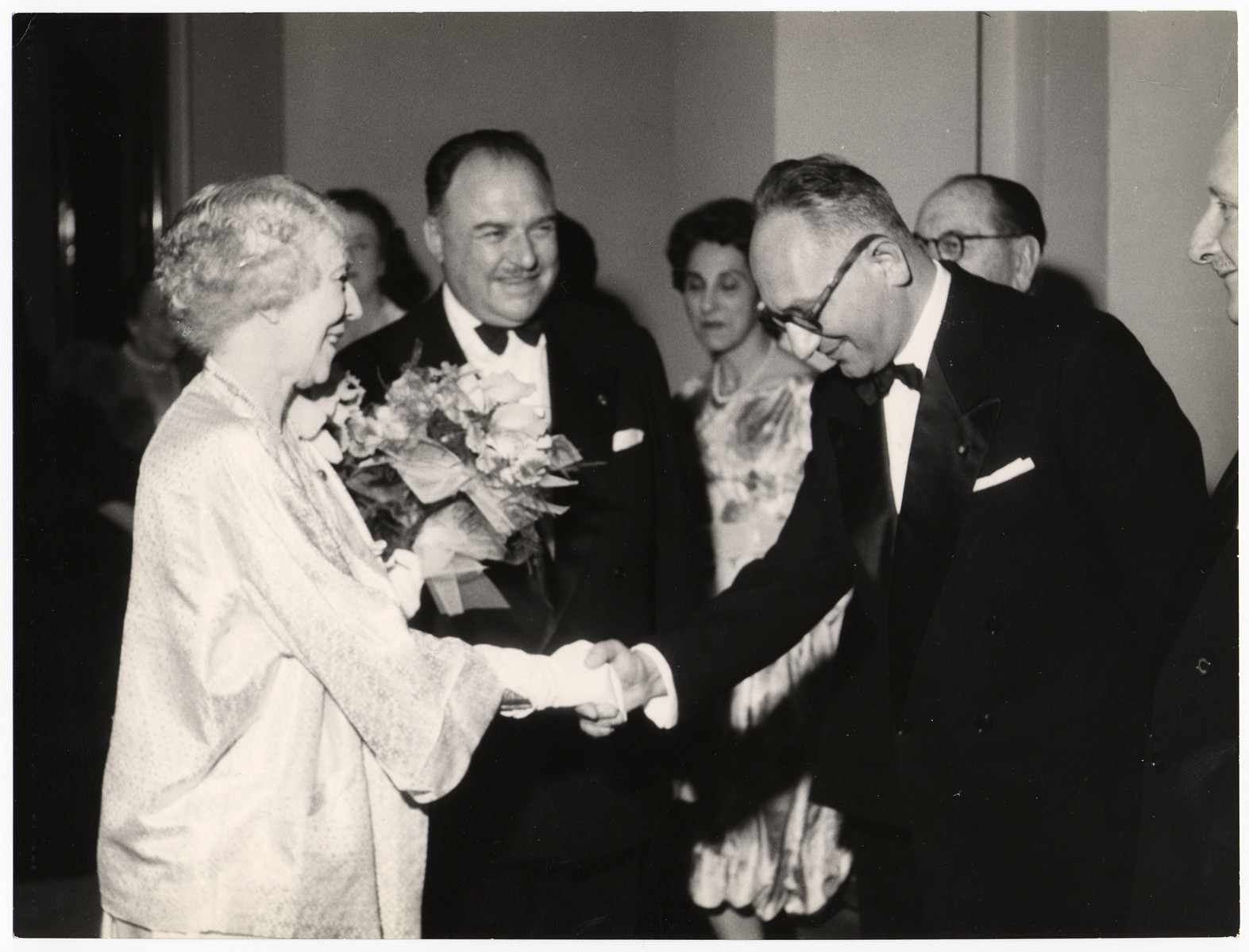 Chaim Perelman pays his respects to Queen Elisabeth of Belgium (the Queen Mother).