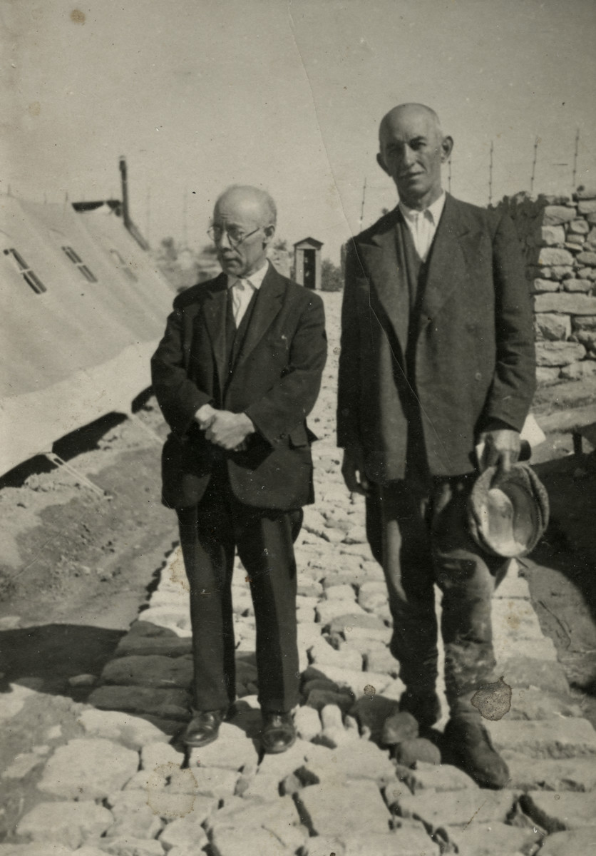 Dr. JosephTeitelbaum poses with another prisoner in the Preza labor camp.