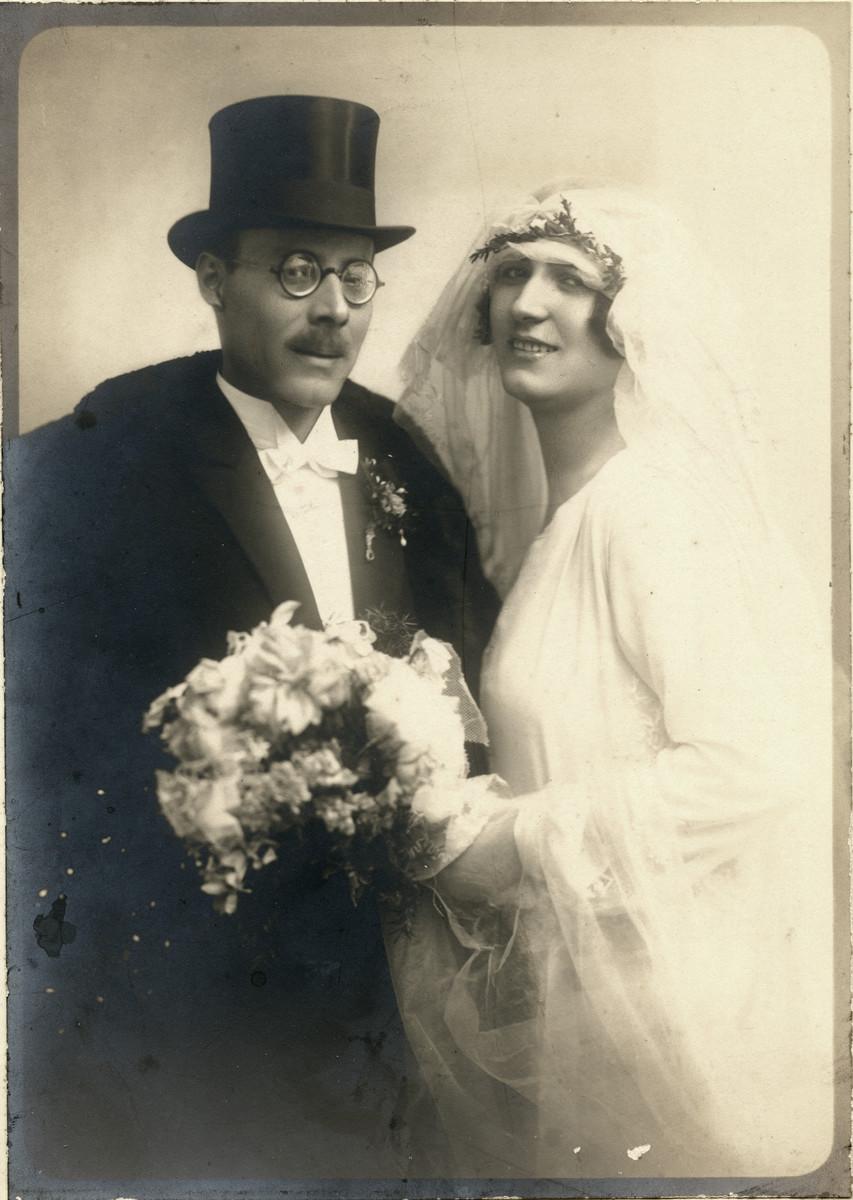 Wedding portrait of Dr. Joseph Teitelbaum and Paula Weiselberg.