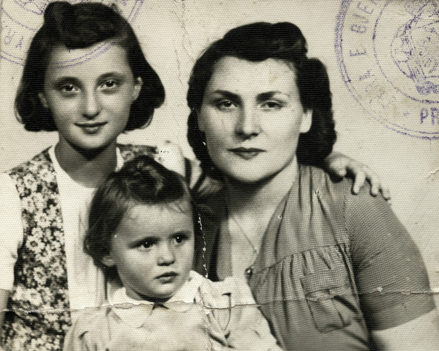 Portrait of rescuer Ana Jakic with her daughters Bizerka and Ivana.