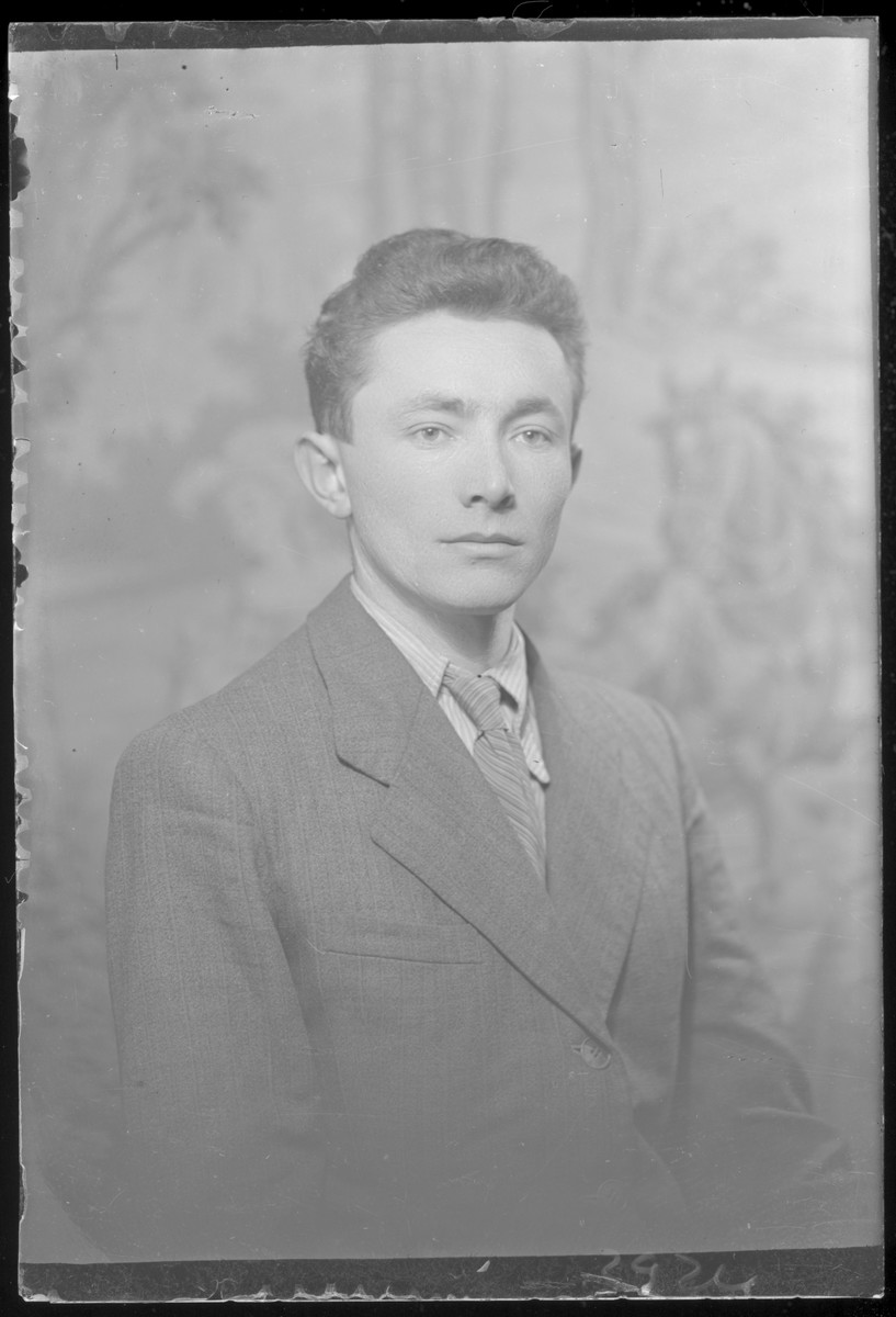 Studio portrait of Avram Iszak.