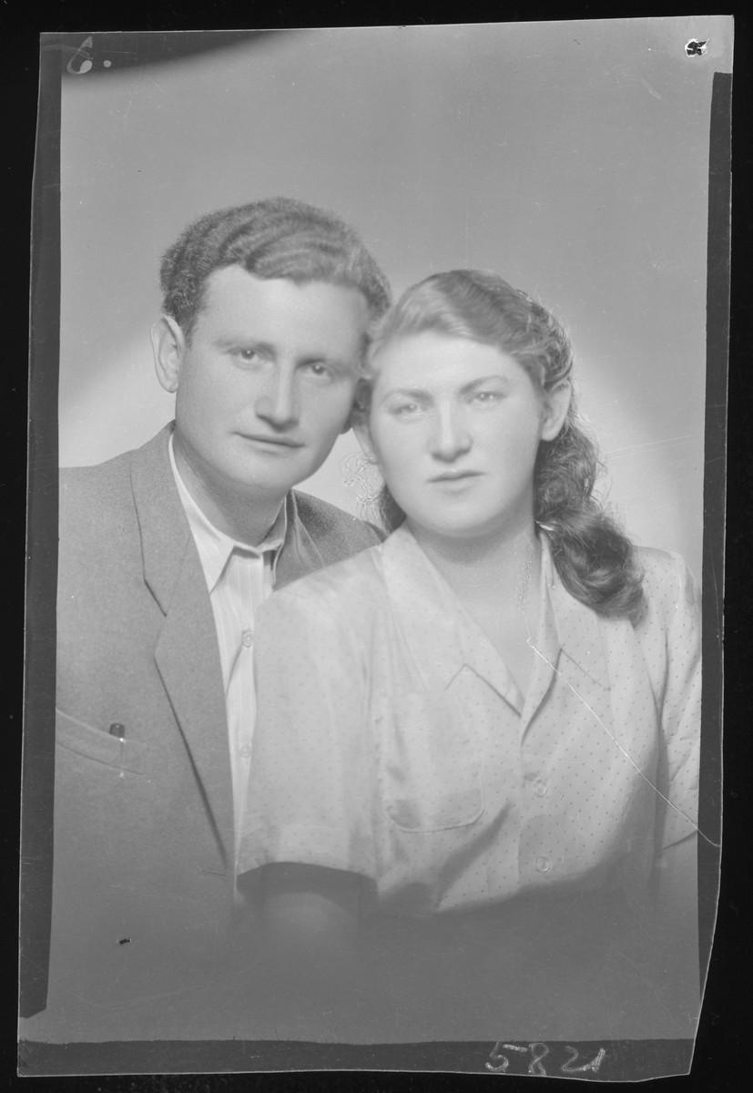Studio portrait of Olga Hirsch and her [boyfriend or husband].