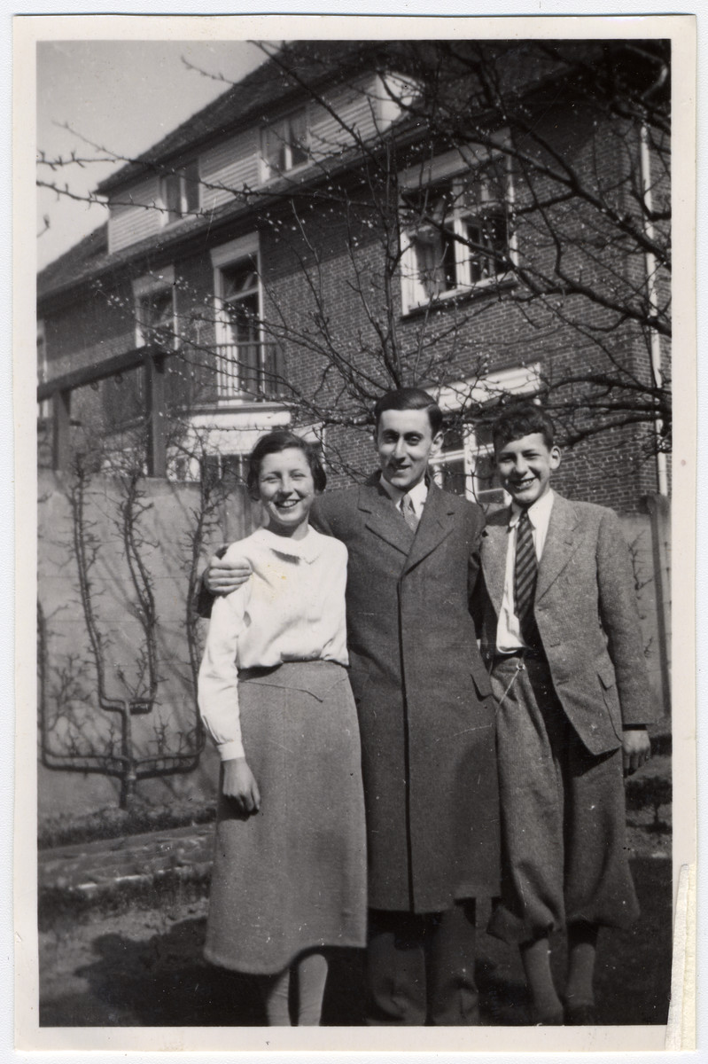 Portrait of three German Jewish cousins.  From left ot right are Annelise Bing, Hans Cramer and Werner John Bing.