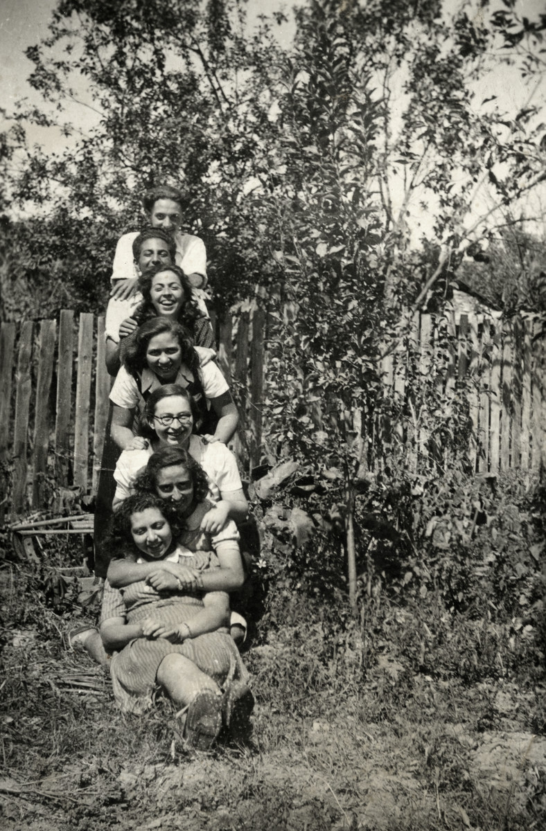 Group portrait of Jewish teenagers in Razgrad.  Dora sent this photo to Joseph, her future husband in 1944.