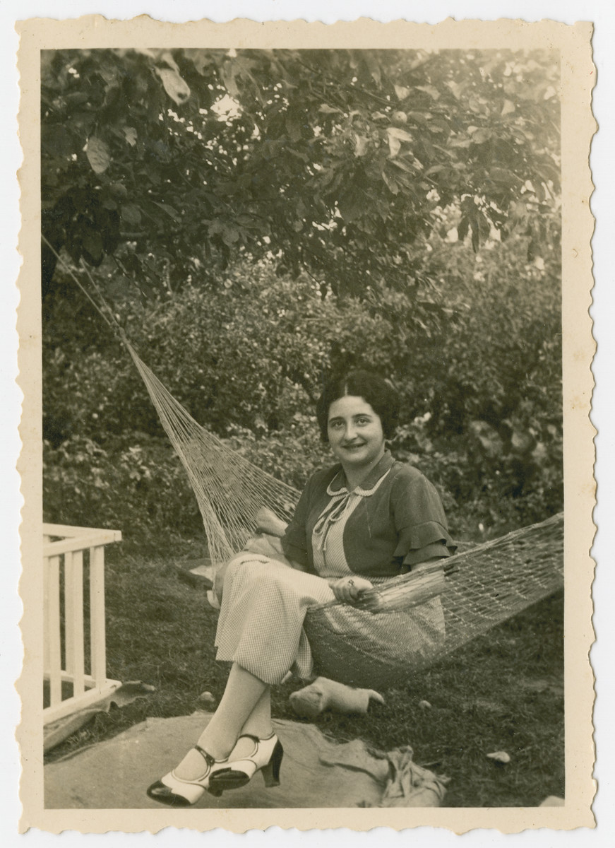 Gretel Kleeblatt poses on a hammock.