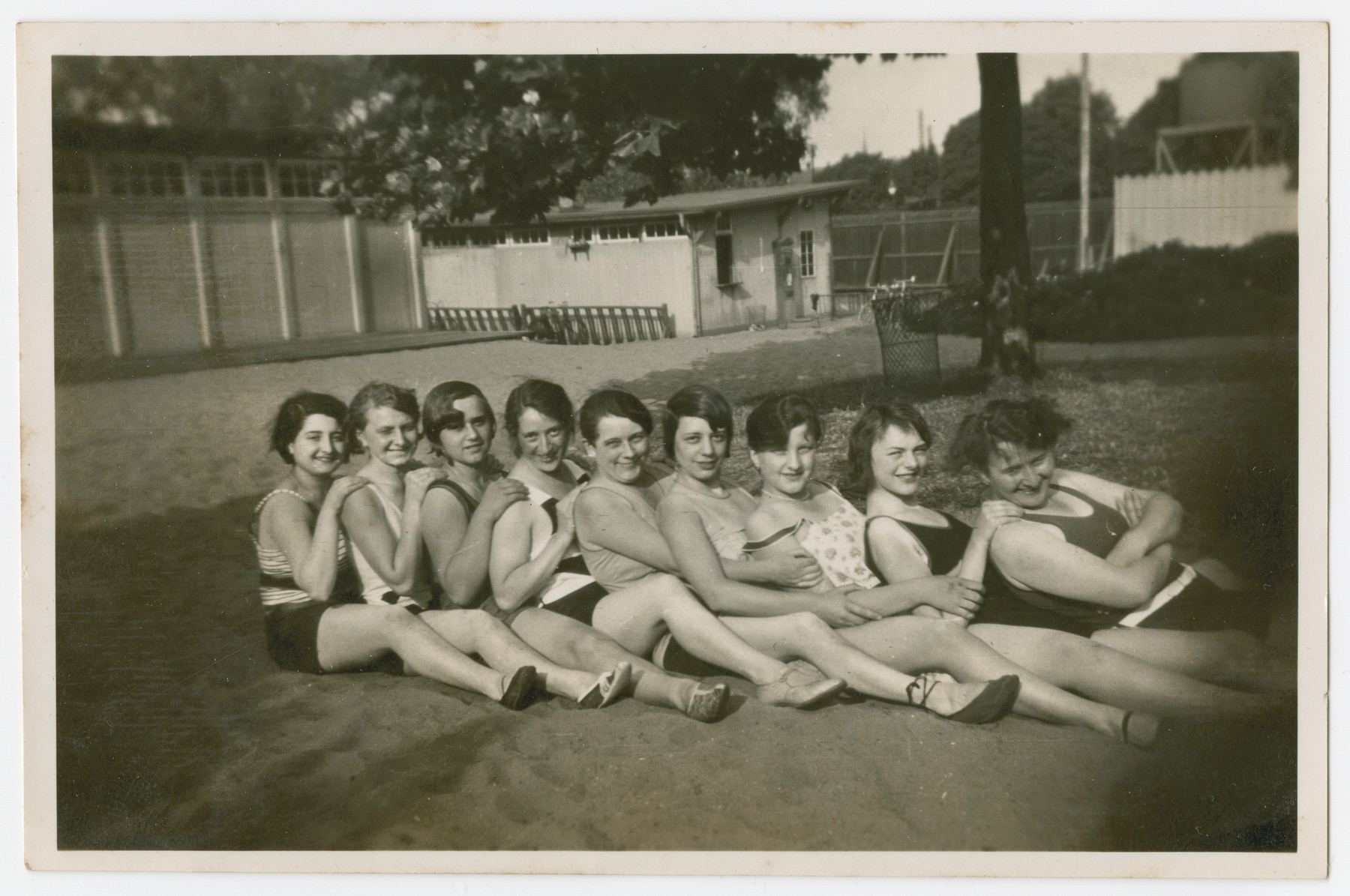 Gretel Kleeblatt (far left) poses with friends (possibly co-workers from the Max Schmandt Ladies Millinery and Clothing firm)  at the women's bathing establishment on the River Oker in Braunschweig.