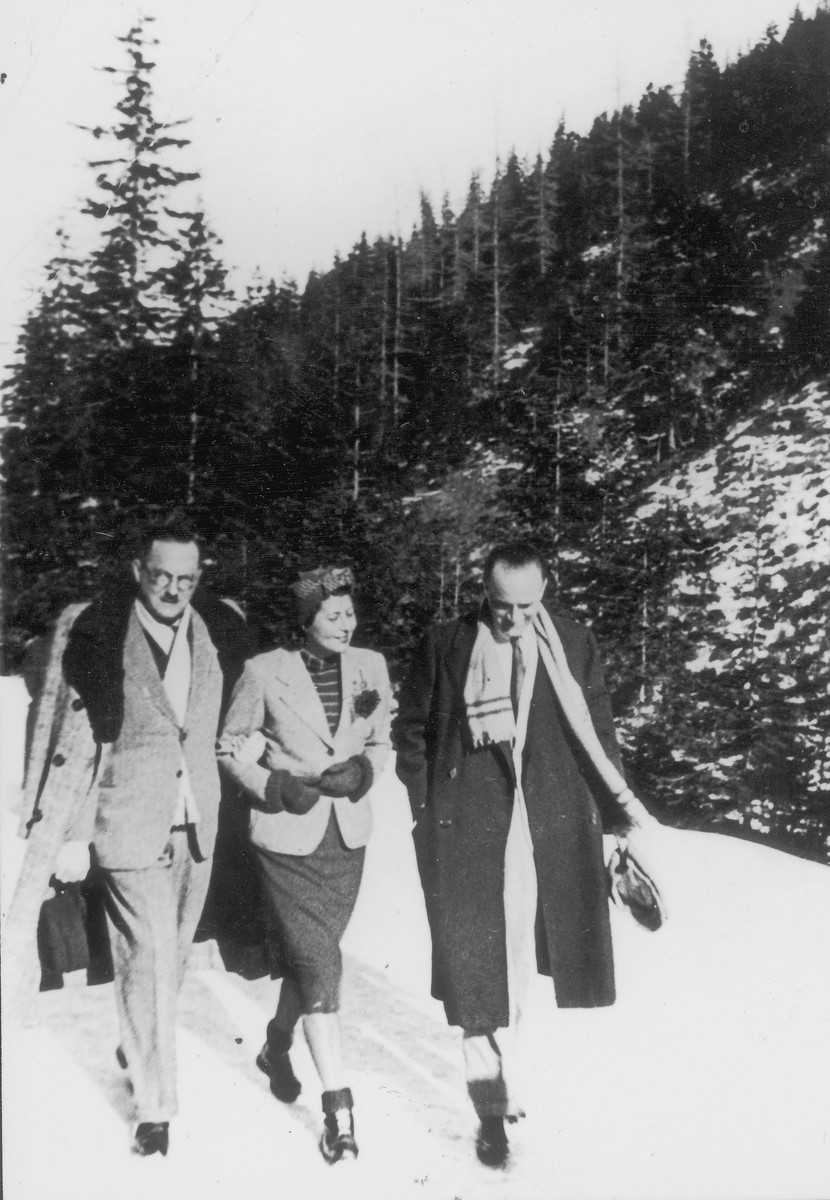 Alfred Galewski (left), an engineer by training and leader of the Treblinka camp uprising, walks through the snow in Zakopane before the war.