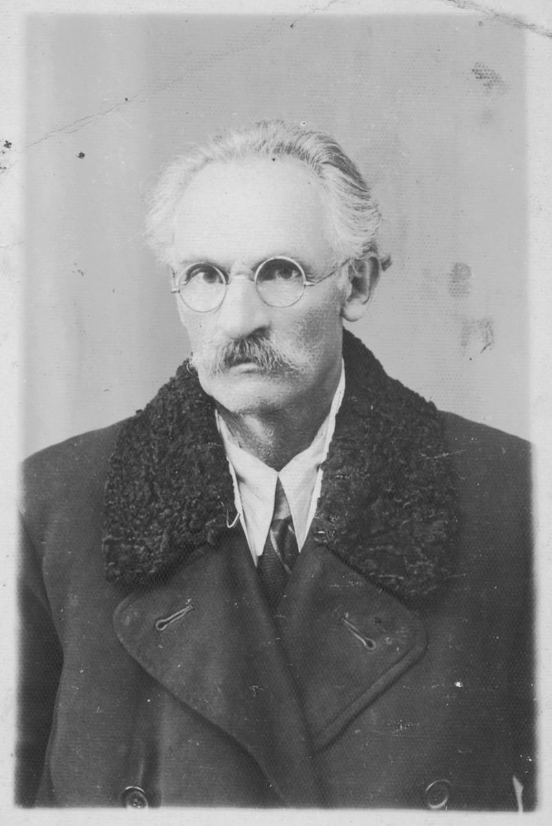 Studio portrait of Perec Willenberg during war.