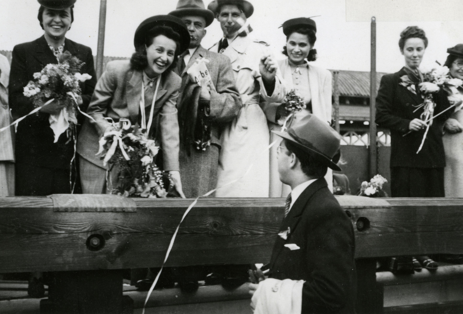 Idit Scheirmeister and Jeanne Levitan return to Denmark from Sweden with family members.
