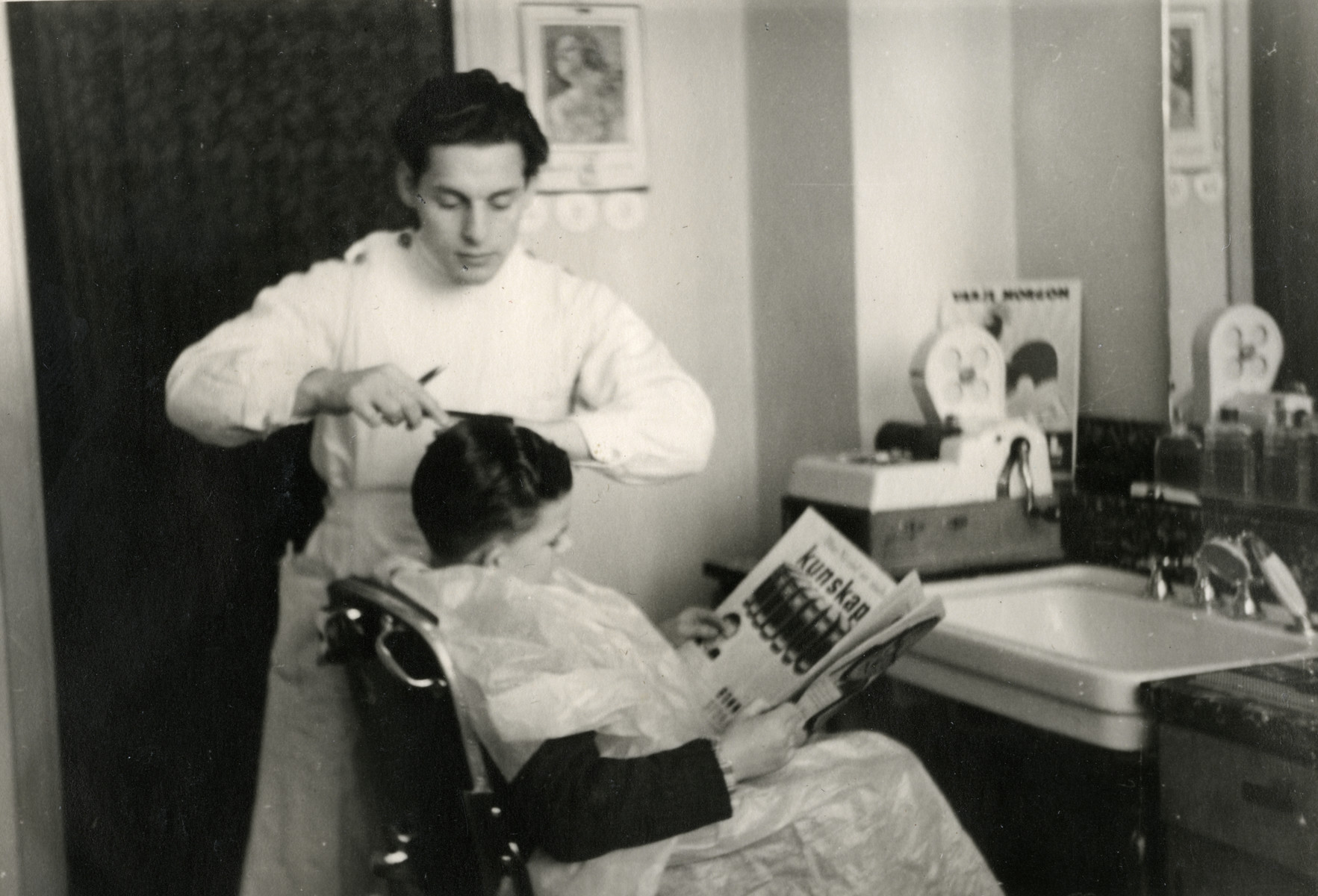 Abraham Kischinovsky learns to be a barber in Sweden.