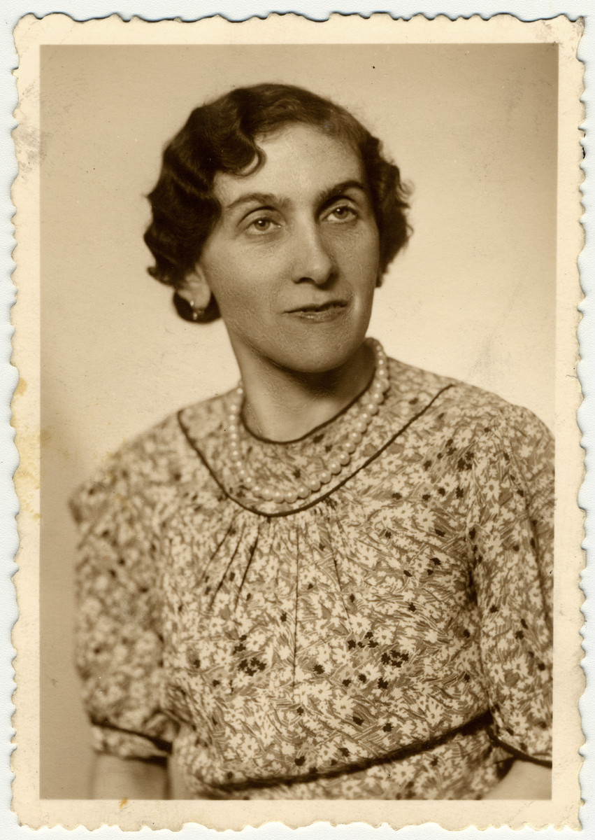 Studio portrait of Anny Freund (the donor's great-aunt).     She, her husband Oskar and their three sons, Egon (b. 2/22/23), Robert (b. 7/10/24) and Viktor (b. 3/24/32), were transported to Theresienstadt on April 28, 1942. From there, Oskar and the three boys were immediately sent to a labor camp in Zamosc where they perished that year.  Anny did not go with them to Zamosc, but she also did not survive the Holocaust.