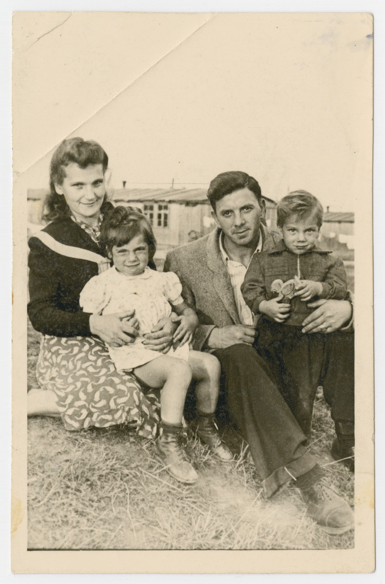 Portrait of Nachman and Zisel Katz and their children sent to their cousins, the Newmans, in America.