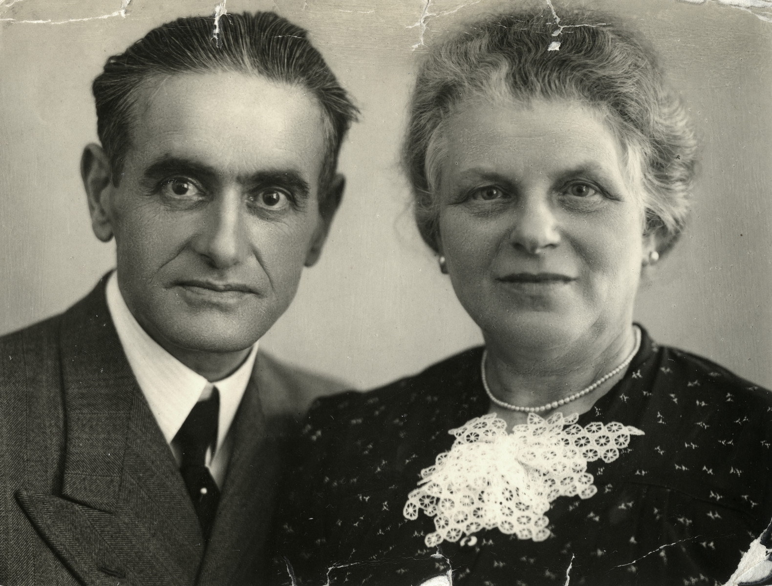 Studio portrait of Marcus and Julie Kok taken only weeks before their arrest  on December 5, 1942.