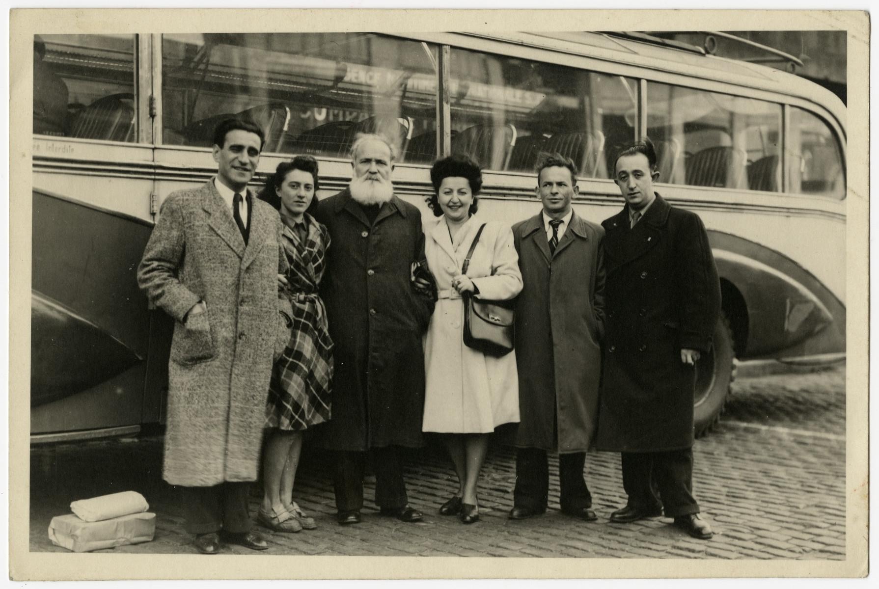 Group portrait of leaders of Left Poalei Zion in Belgium.  From left to right are Abush Werber, Zahava Bunim (head of the youth movement), Jacob Zerubavel, Fela Perelman, Avramel Lipskind and Zyskind Rabinowitz.