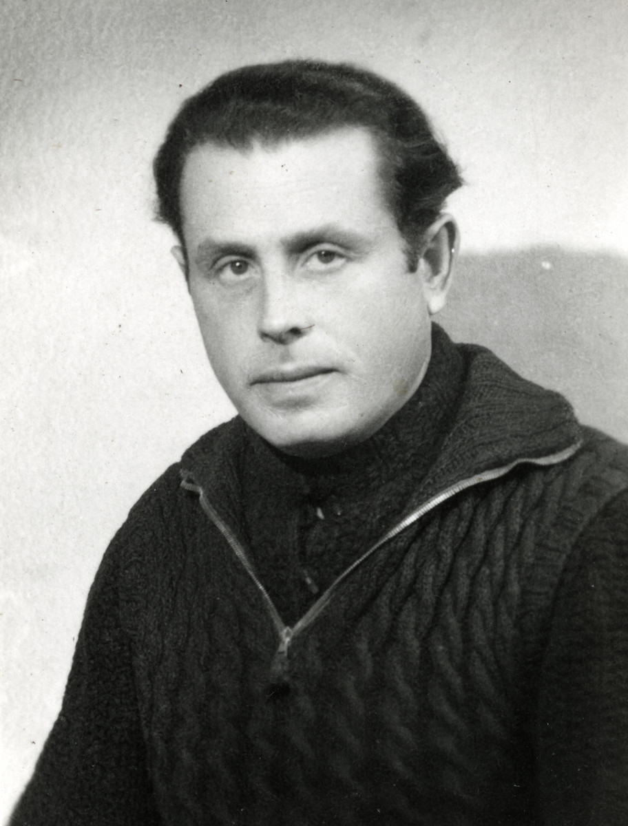 Close-up portrait of Rabbi VictorTulman in the Gurs internment camp wearing a sweater knitted by his girfriend Hella Bacmeister.