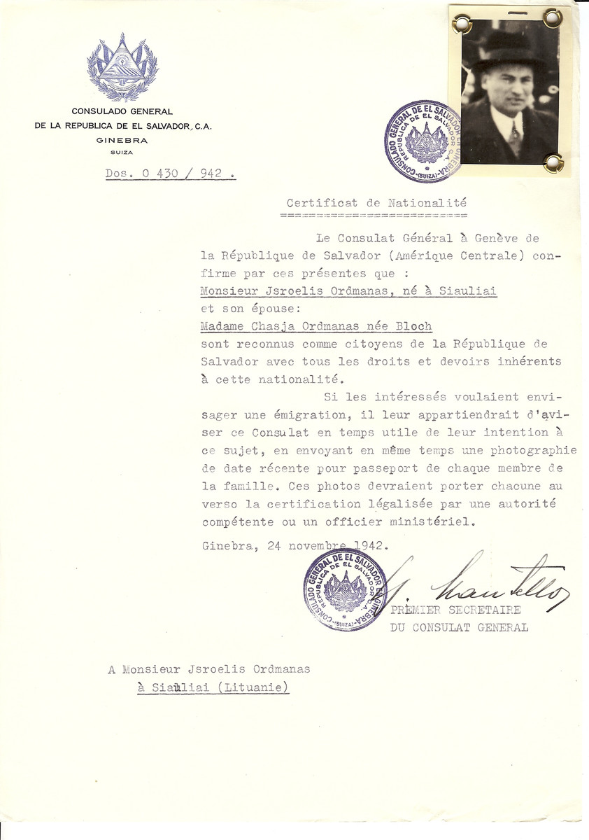 Unauthorized Salvadoran citizenship certificate made out to Jsroelis Ordmanas (b. in Siauliai) and his wife Chasja (nee Bloch) Ordmanas by George Mandel-Mantello, First Secretary of the Salvadoran Consulate in Geneva and sent to them in Siauliai.