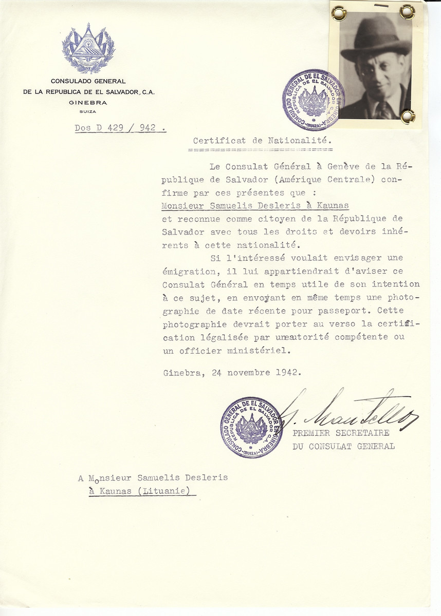 Unauthorized Salvadoran citizenship certificate made out to Samuelis Desleris (b. Kaunas) by George Mandel-Mantello, First Secretary of the Salvadoran Consulate in Geneva and sent to him Kaunas.