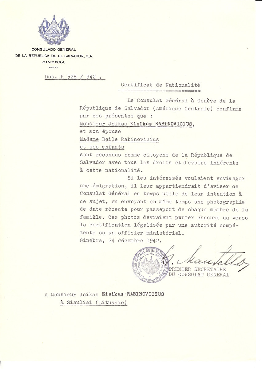 Unauthorized Salvadoran citizenship certificate made out to Jcikas Eisikas Rabinovicius, his wife Beila Rabinovicius and children by George Mandel-Mantello, First Secretary of the Salvadoran Consulate in Geneva and sent to them in Siauliai.