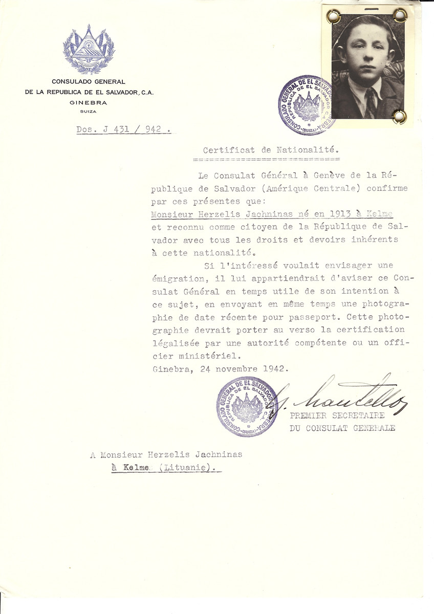 Unauthorized Salvadoran citizenship certificate made out to Herzelis Jachninas (b. 1913 in Kelme) by George Mandel-Mantello, First Secretary of the Salvadoran Consulate in Geneva and sent to him Kelme.