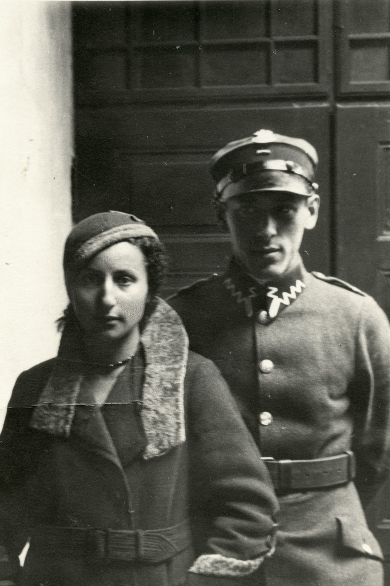 Emil Goldberg in his Polish Army uniform poses with his future wife Elze Steuer