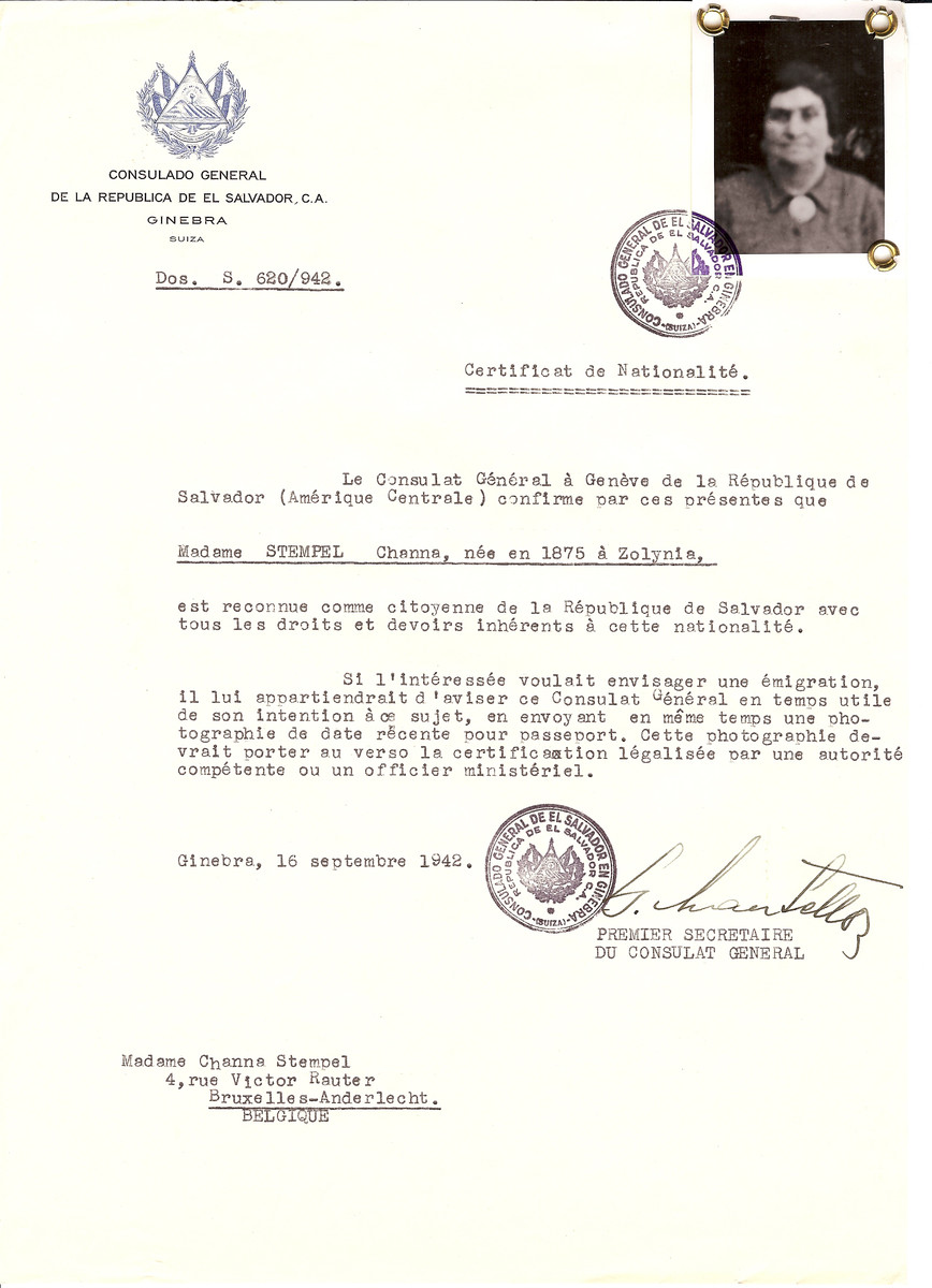 Unauthorized Salvadoran citizenship certificate issued to Channa Stempel (b. 1875 in Zolynia) by George Mandel-Mantello, First Secretary of the Salvadoran Consulate in Switzerland and sent to her residence in Brussels.