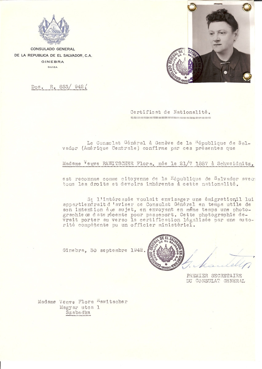 Unauthorized Salvadoran citizenship certificate issued to Flora Rawitscher (b. July 21, 1887 in Schweidnitz) by George Mandel-Mantello, First Secretary of the Salvadoran Consulate in Switzerland and sent to her in Szabadka.