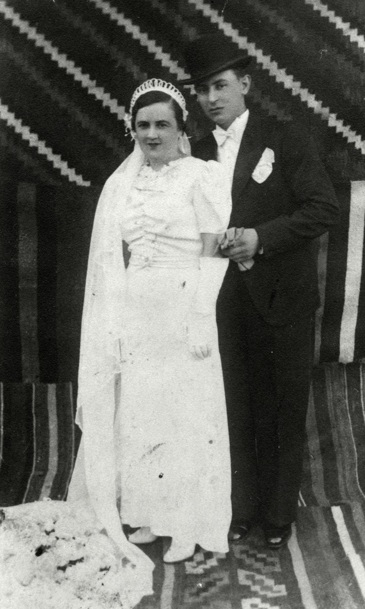 Wedding portrait of a Jewish couple in Romania..  Pictured are Shmuel Aznel and Minna Herskowicz, parents of the donor.