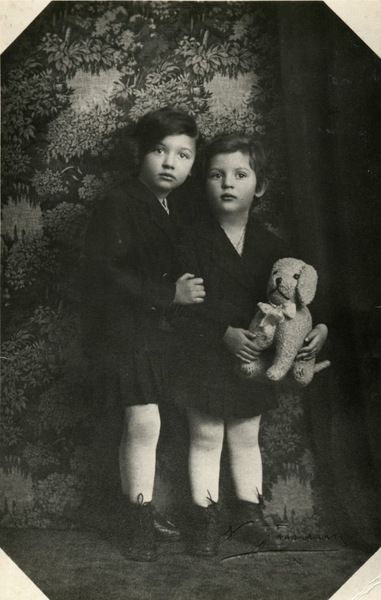 Studio portrait of Gerda and Sonja Beruh in Vienna, Austria at 7 and 6 years old respectively.