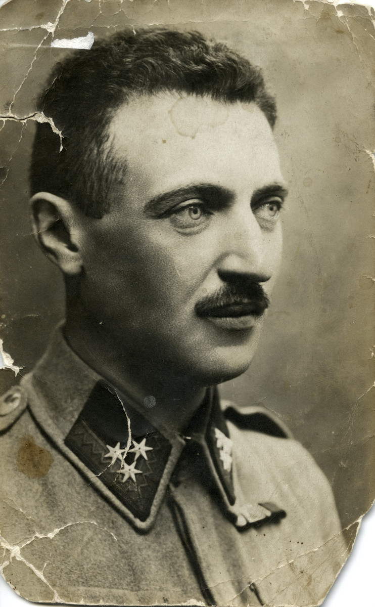 Photograph of Yaakov Beruh during World War I as a soldier of the Austrian Army.