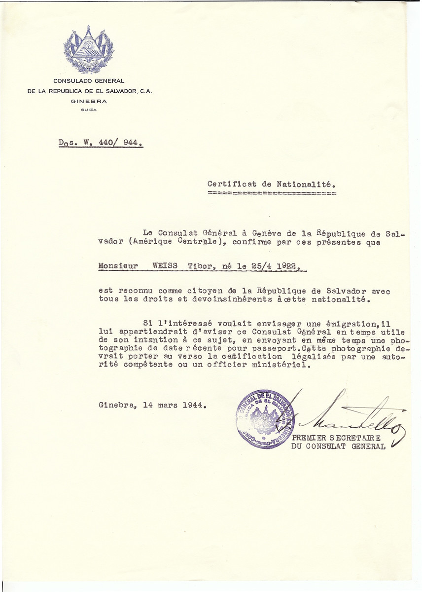 Unauthorized Salvadoran citizenship certificate issued to Tibor Weiss (b. April 25, 1922) by George Mandel-Mantello, First Secretary of the Salvadoran Consulate in Geneva.