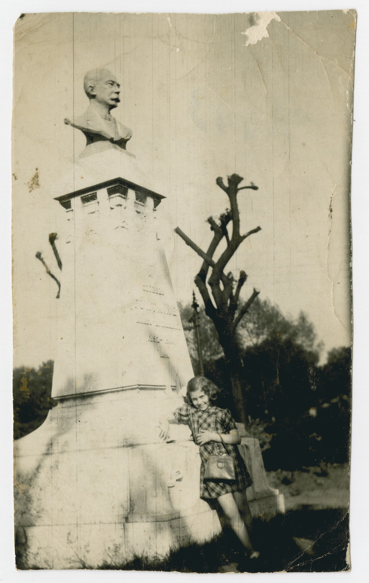 Fanny Fogel leans against the base of a statue while in hiding in Lille.