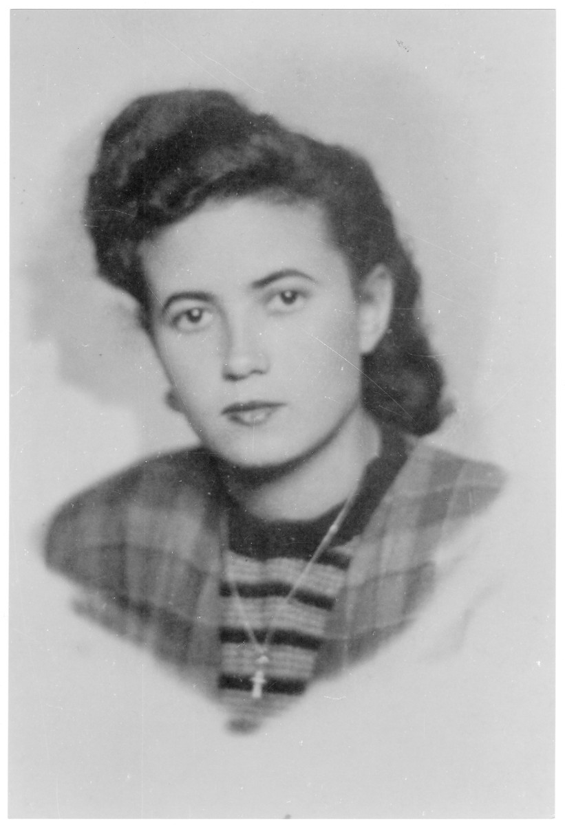 Portrait of Hedvig Mueller (later Hedva Szanto), a member of the Hungarian Zionist youth resistance organization.